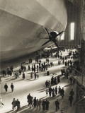 The Hindenburg Zeppelin - 1936 Olympics - Fotografik Baskı