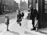 Shirley Baker - Skipping in the Street - Manchester 1968 Fotografická reprodukce