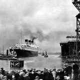 R.M.S. 'Queen Mary' Leaving Clydebank, March 1936 Photographic Print