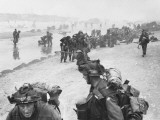 D-Day - British Troops Landing - Queen Beach - Sword Area Photographie par Robert Hunt