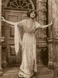 Lily Elsie - Doorway Reproduction photographique par Vanessa Wagstaff