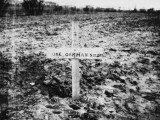 Grave of Unknown German Soldier Near Merville in France During World War I Lámina fotográfica por Robert Hunt