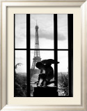 Eiffel Tower, c.1966 Affiche par Willy Ronis