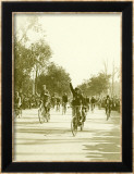 Bicycle Race Parade Gerahmter Giclée-Druck