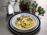 Close-Up of Spaghetti with Clams and Parsley Sauce Photographic Print by G. Ummarino