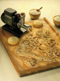 High Angle View of Homemade Pasta with a Pasta Maker Fotografisk tryk
