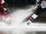 Ice Hockey Players Facing Off Reproduction photographique
