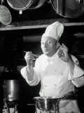 Chef Tasting Food, Ok Sign, 1942 Papier Photo par  Lambert