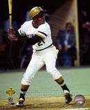 Roberto Clemente 21 steps into the swing during the 1971 World Series against the Baltimore Oriole Photo
