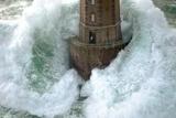 Vuurtoren in de storm, La Jument Schilderij van Jean Guichard