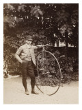 Edouard Eiffel, tenant un bicycle Gicléetryck av Alexandre-Gustave Eiffel