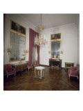 Vue int&#233;rieure du petit Trianon : petite salle &#224; manger Giclee Print