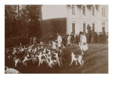 Photo Album: Hunting with Hounds in 1900 Beautertre Giclee Print