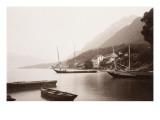 Le village de Saint-Gingolphe au bord du lac où sont ancrées barques et voiliers Gicléetryck av Alexandre-Gustave Eiffel