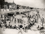 Holidays at La Baule, France (1937) Fotografie-Druck