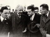 Einstein Upon His Arrival in Anvers, 1933 Reproduction photographique