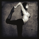 Natarajasana, posture du danseur cosmique, yoga Affiche par Gosia Janik