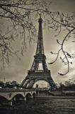 Curves of Eiffel Posters par Sabri Irmak