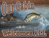 Our Cabin Welcomes All Emaille bord