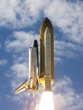 Space Shuttle Atlantis Lifts Off from its Launch Pad at Kennedy Space Center, Florida Lmina fotogrfica