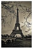 Le linee curve della Torre Eiffel Stampe di Sabri Irmak