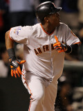 Texas Rangers v. San Francisco Giants, Game 5:  Edgar Renteria Photographic Print by Ronald Martinez