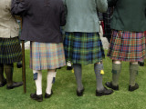 Highlanders in Kilts at the Lonach Gathering Fotografiskt tryck av Jim Richardson