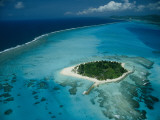 An Aerial View of Saipan Island in Micronesia Fotografisk tryk af Paul Chesley