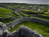 A Pastoral Landscape with Stone Fences and Cottages Fotografiskt tryck av Jim Richardson