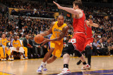 Chicago Bulls v Los Angeles Lakers: Shannon Brown Photographic Print by Andrew Bernstein
