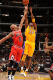 Chicago Bulls v Los Angeles Lakers: Kobe Bryant and Keith Bogans Photographic Print by Andrew Bernstein