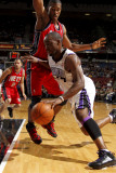 New Jersey Nets v Sacramento Kings: Carl Landry and Derrick Favors Photographic Print by Don Smith