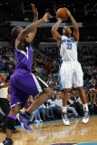 Sacramento Kings v New Orleans Hornets: Willie Green and Carl Landry Photographic Print by Layne Murdoch