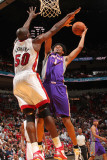 Phoenix Suns v Miami Heat: Josh Childress and Joel Anthony Lmina fotogrfica por Victor Baldizon