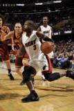 Miami Heat v Cleveland Cavaliers: Dwyane Wade and Anthony Parker Fotografisk tryk af David Liam Kyle