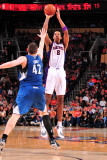 Minnesota Timberwolves v Phoenix Suns: Channing Frye and Kevin Love Photographic Print by P.A. Molumby