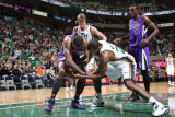 Sacramento Kings v Utah Jazz: Paul Millsap and Donte Greene Photographic Print by Melissa Majchrzak