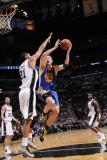 Golden State Warriors v San Antonio Spurs: David Lee and Tim Duncan Photographic Print by D. Clarke Evans
