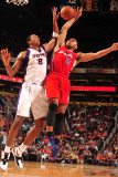 Los Angeles Clippers v Phoenix Suns: Channing Frye and Eric Gordon Photographic Print by Barry Gossage