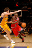 Chicago Bulls v Los Angeles Lakers: Luol Deng and Pau Gasol Photographic Print by Noah Graham