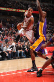 Los Angeles Lakers v Chicago Bulls: Derrick Rose and Lamar Odom Photographic Print by Andrew Bernstein