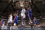 Detroit Pistons v Dallas Mavericks: Brendan Haywood and Ben Gordon Lámina fotográfica por Glenn James