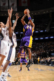 Los Angeles Lakers v New Jersey Nets: Kobe Bryant and Quinton Ross Photographic Print by Andrew Bernstein