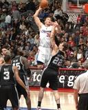 San Antonio Spurs v Los Angeles Clippers: Blake Griffin and Tiago Splitter Photographie par Andrew Bernstein