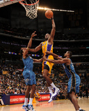Washington Wizards v Los Angeles Lakers: Lamar Odom Photographic Print by Andrew Bernstein