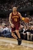 Miami Heat v Cleveland Cavaliers: Anthony Parker Fotografisk tryk af David Liam Kyle