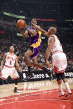 Los Angeles Lakers v Chicago Bulls: Kobe Bryant, Derrick Rose and Keith Bogans Photographic Print by Andrew Bernstein