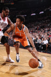 Phoenix Suns v Portland Trail Blazers: LaMarcus Aldridge and Josh Childress Lmina fotogrfica por Sam Forencich