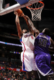 Sacramento Kings v Los Angeles Clippers: DeAndre Jordan and Samuel Dalembert Photographie par Noah Graham