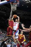 Cleveland Cavaliers v Detroit Pistons: Tayshaun Prince, J.J. Hickson and Anthony Parker Fotografisk tryk af Allen Einstein